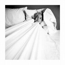 Marilyn Monroe, in bed, Poster 30 x 30 cm