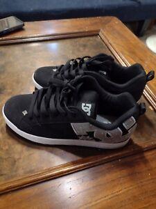 DC women's shoes sz 9