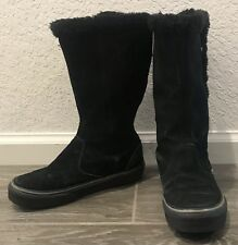 3d2bf74f8879 Vans Women s Dasan Black Winter Boot Black Suede Faux Fur Size 5