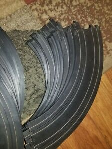 """28x Tyco 5749-1 9"""" 1/4 Circle Curved Track - HO Scale - Raceway - Vintage"""