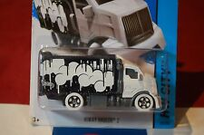 Hot Wheels - Hiway Hauler 2 - 2015 Hw City - Art Cars - 28/250 1:64 White/Black