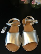 $40 Women's sandals flat shoes Peep Toe silver leather size 6 nwt