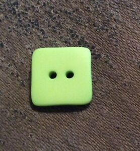 """THE BUTTON CO #HW120 LIME SQUARE--2 HOLE--5/8""""--12 PIECES"""