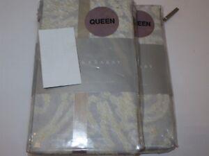 2 Barbara Barry Jaisalmer Standard Queen shams