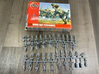 Airfix WWII RAF Personnel 47 Pieces 1/72 Scale Model Figures A01747
