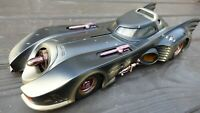 RARE HOT WHEELS BATMAN RETURNS BATTLE BULLET DAMAGED BATMOBILE 1:18 TOY CAR