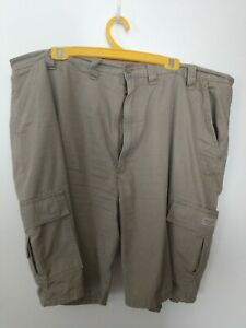 Wrangler kahki cargo shorts Size: 44