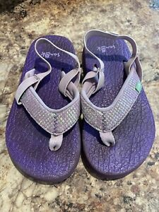 Toddler Girls Size 9/10 Sanuk Flip Flops, Purple Sparkle