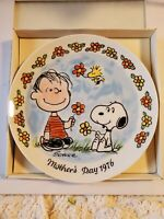 SCHMID CHARLES SCHULZ PEANUTS 1976 MOTHER'S DAY 1977 VALENTINES DAY PLATES NIB!!