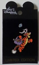 Disneyland 2001 Easter Bouncing Tigger and Egg Pin Set of 2