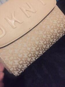 DKNY Bag Creme Colour *NEW*