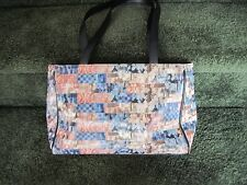 Relic PVC lenticular purse, imitation trim, medium, models and patterned cover