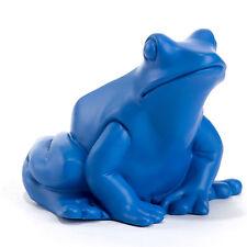 Froschkönig Frog King in Blau, art piece by Ottmar Hörl 1999