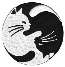 ab30 Yin Yang Katze Schwarz Weiß Yoga Aufnäher Bügelbild Patch Flicken 8 x 8 cm