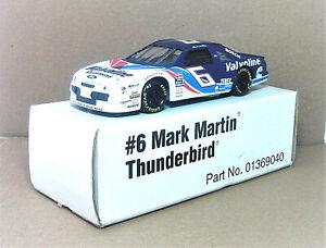 """Revell #01369040 - 1/24 - 1995 - Mark Martin - #6 """"Valvoline""""  Ford T-Bird - NIB"""