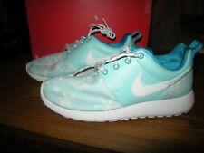 Brand New Girls Blue & White Nike Roshe Print Tennis Shoes, Size 5.5