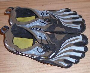 Five 5 Fingers Vibram Mens M41  Black Barefoot Sneakers Shoes Size US 8 8.5