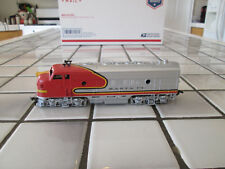 athearn Santa Fe powered engine Ho scale
