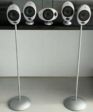 KEF HTS2001 Kompakt-Lautsprecher, 5 Stück, Silber und 2 Original-KEF Standfüße