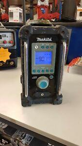 MAKITA BMR100 CORDLESS RADIO GWO PRICE INCLUDES VAT