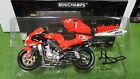 MOTO GP YAMAHA YZR-M1 Biaggi 2002 #3 au 1/12 Minichamps 122026303 miniature