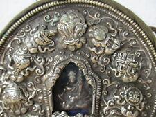 Originaler Buddha Altar aus Lhasa, Tibet mit altem GURU RINPOCHE Bronze Amulett