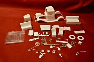 Model Truck Parts AMT 34 Ford Pickup Body and Glass Parts 1/25