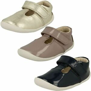 Filles Clarks T Hock & Boucle Bracelet Verni Leather Premier Chaussures Roamer