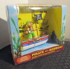 Penn Plax PIRATE in a ROWBOAT Fish Tank Action Aerating Ornament MIB C-7.0