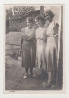 Three Pretty Young Women Closeness Cute Lady Girl Female 1930s Vintage Old Photo