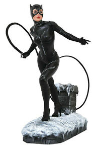 Diamond DC Comics Gallery Batman Returns Catwoman Statue - Pfeiffer, Keaton