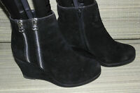 PEACOCKS WOMENS BLACK ZIP FAUX SUEDE WEDGE ANKLE BOOTS SZ:5/38(WB3375)