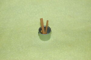 1:24 G SCALE  SNAP ON  DIECAST METAL BUCKET WITH WOOD PIECES
