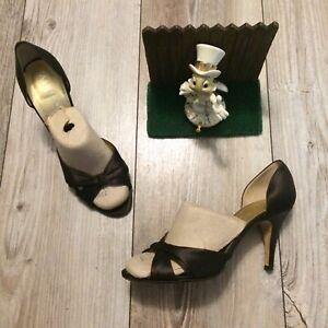Anne Klein Size 9 M Open Toe Ruffle Silk Heels Brown Made in Italy Minimal Wear