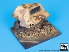 Black Dog 1/35 Destroyed Tpz Fuchs Armored Personnel Carrier Diorama Base D35026