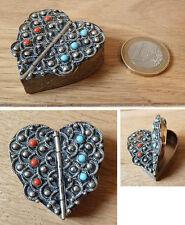 Petite boite pilulier en forme de coeur Italie Italy