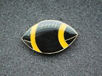 VINTAGE METAL PIN  FOOTBALL