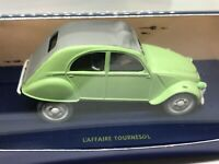 TinTin L'affaire Tournesol COMIC Green 2 CV Diecast model car + figures - MINT