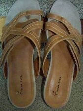 Bear Traps Wear Ever Brown Adjustable Sandal NATARA Toe ring Sz 10M Bare Comfy