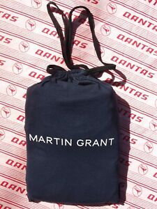 QANTAS-Martin Grant First Class sleep set in drawstring bag.