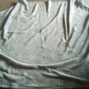 Berkshire Blanket Velvet Soft Holiday Throw - Snowflake Pattern