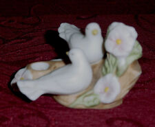 AVON  ANNIVERSARY TAPER CANDLE HOLDER PORCELAIN 2 LOVE BIRDS /  Doves 1985 EC