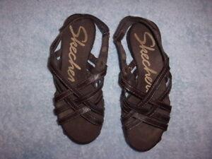 Skechers brown SANDALS WOMEN'S SIZE 6