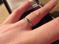 Bezaubernder 835 Ring Silber Muster Rillen Unisex Designer Matt Vintage Top