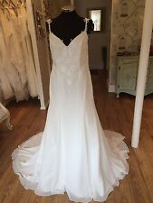 Strappy/Spaghetti Strap Column/Sheath Chiffon Wedding Dresses
