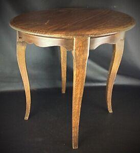 Ancienne table guéridon à pied de biches en chêne massif