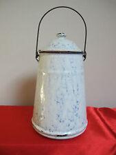 Ancien pot à lait tôle émaillée blanc décor dit à l'éponge bleu