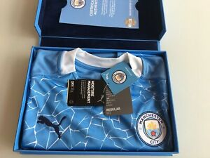 SIGNED BY TEAM Certified Authentic Manchester City Premier League Football Shirt