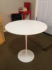 New listing Eero Saarinen Knoll Studio Tulip Side Table White Laminate, Herman Miller Style