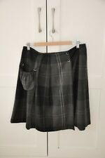 Cabbages and Roses Check Skirt Size 12